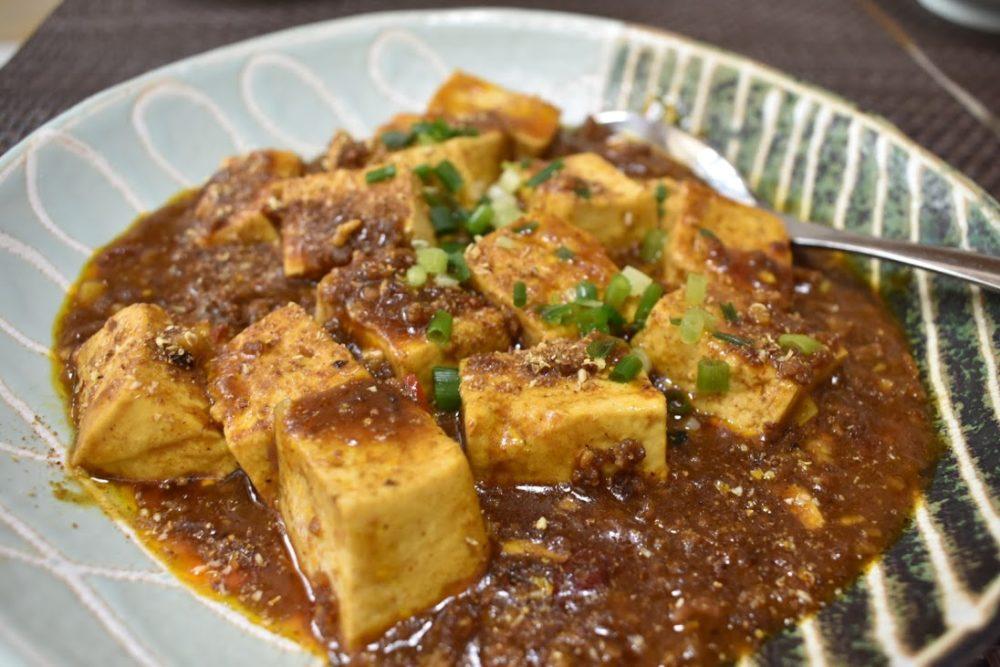 麻婆豆腐カレーは中華の刺激にカレーの香りがたまらない