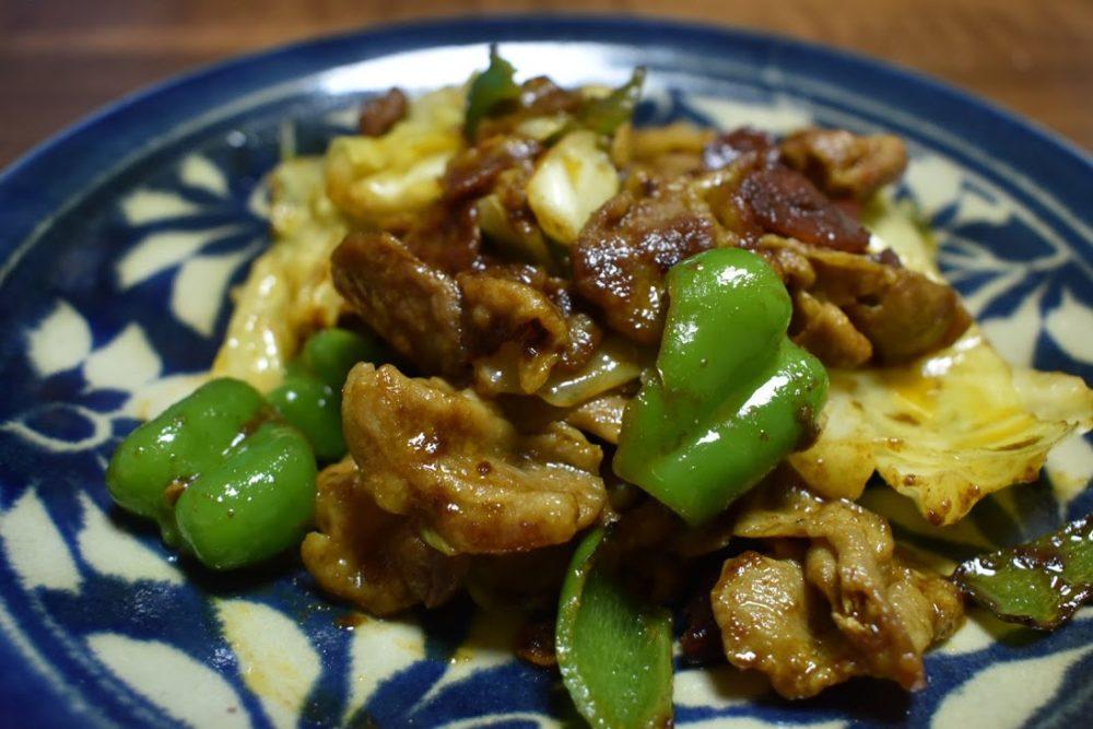 回鍋肉カレーはコクが強めのごはんがすすむカレー
