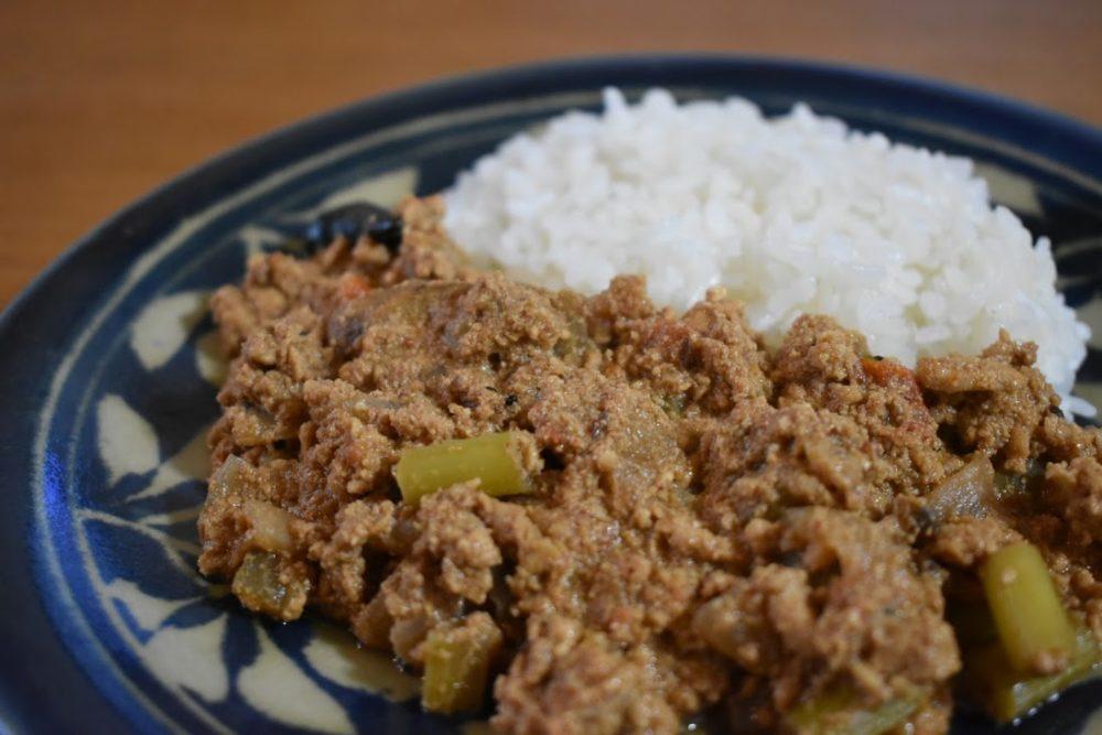 旧ヤム邸のカレーレシピを真似て作る牛蒡の鶏キーマ