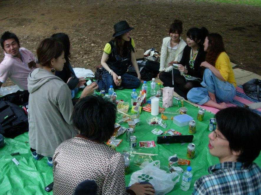 友達あつめて代々木公園でピクニック
