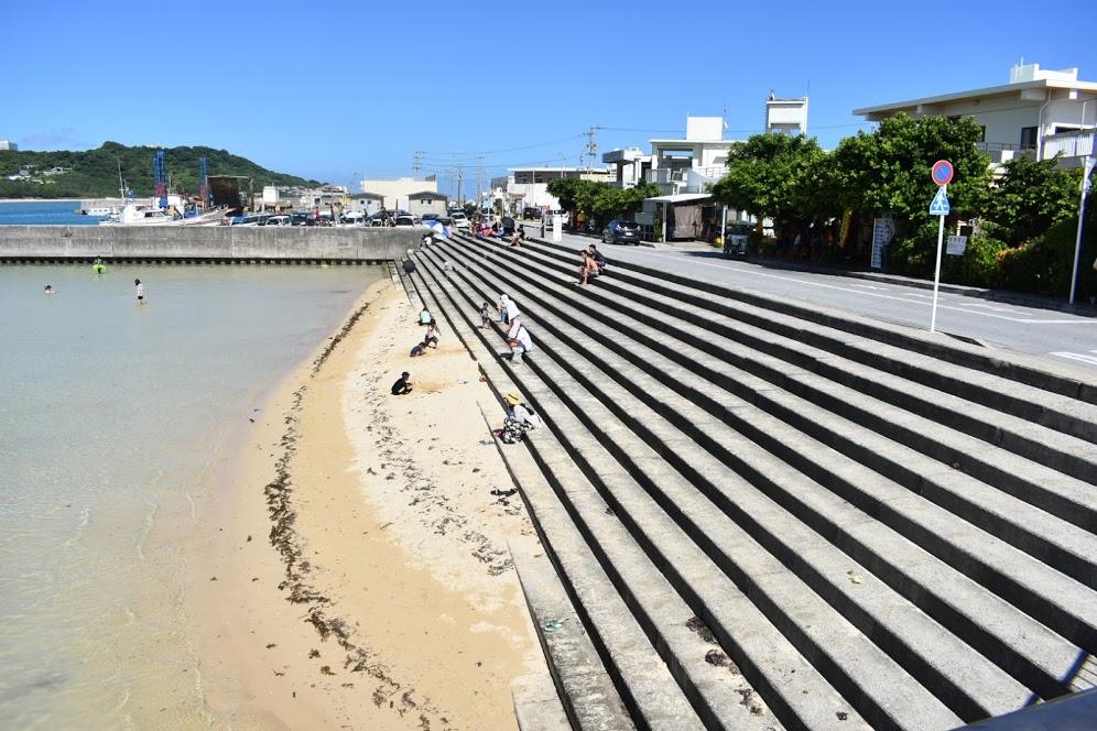 砂浜は少ない