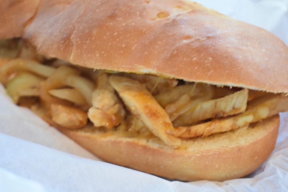 フィリーチーズチキン