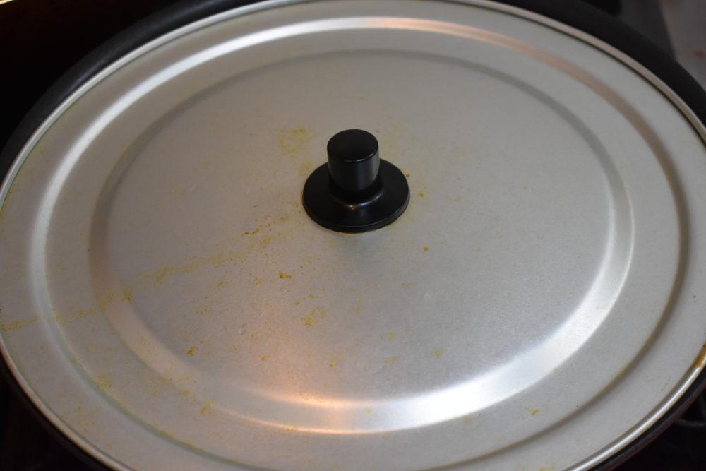 フライパンで蒸し焼き