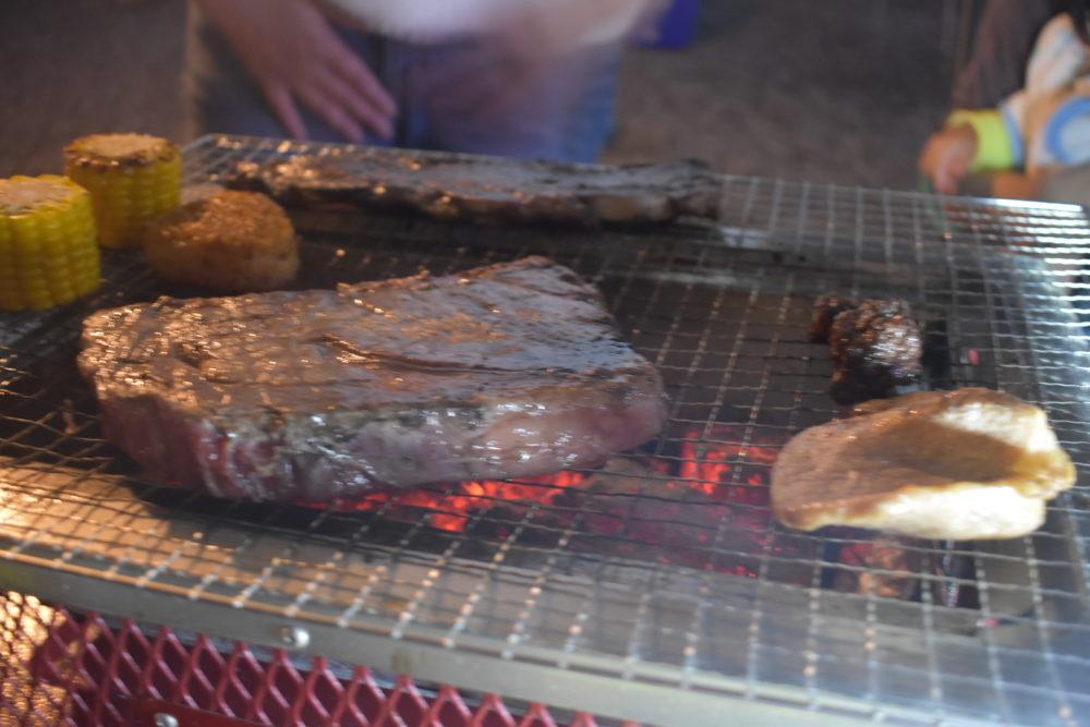 ステーキ肉は持ち込み
