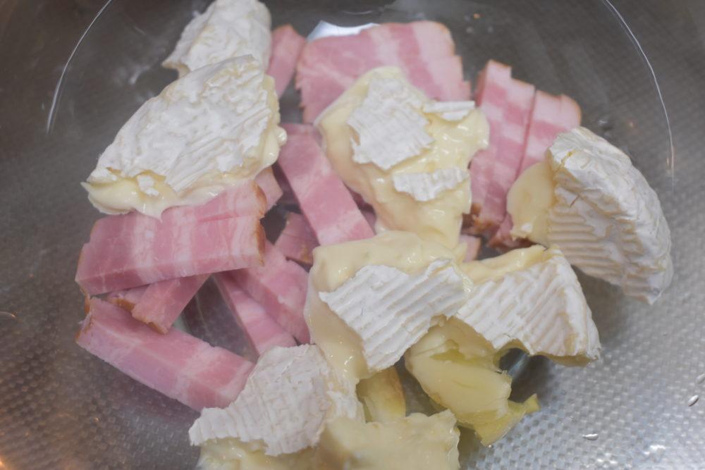 カマンベールチーズはちぎって