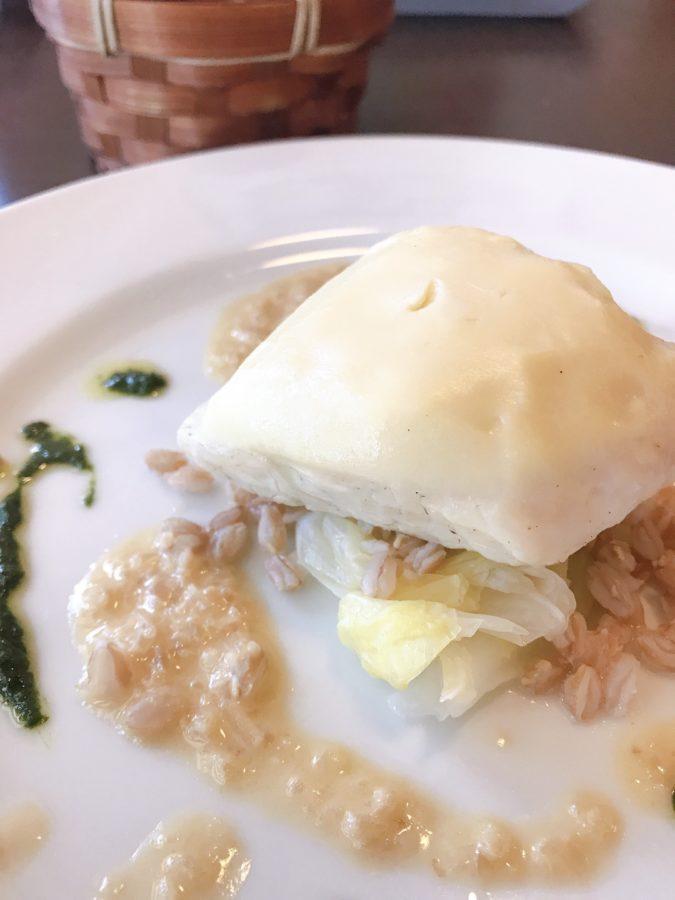 帆立貝のムースをまとった白身魚のヴァプール